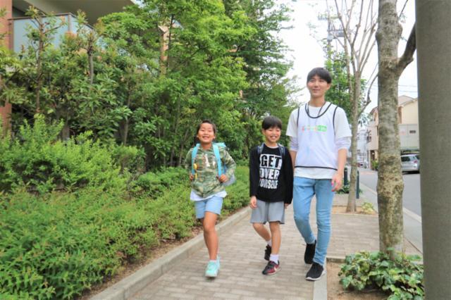 キッズ送迎ドライバー/学童保育の送迎スタッフ/アルバイト/1日3h~/大阪市城東区の画像・写真